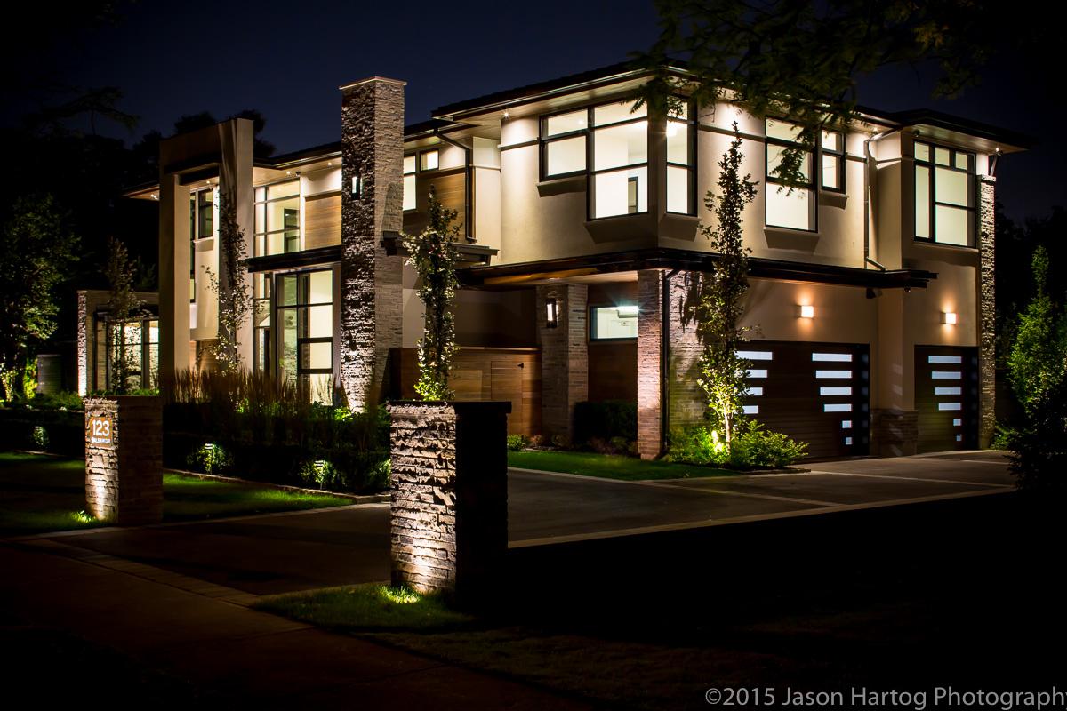 Modern_Oakville_home-3